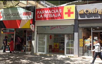 SUCURSAL LOS LEONES DE FARMACIAS LA REBAJA COLOCA ÉNFASIS EN SU EQUIPO DE PROFESIONALES