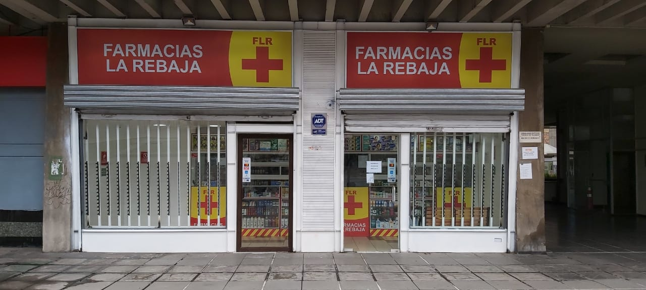 Local_Pasapoga_Farmacias_La_Rebaja